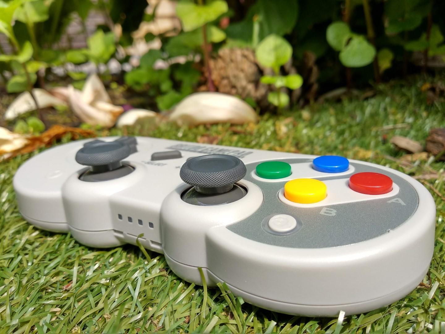 8Bitdo SF30 Pro controller review online